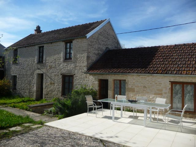 3 Bedroom Country Stone House with Private Garden - Laignes - House