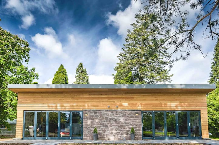 Studio lodge at Loch Lomond: Pine