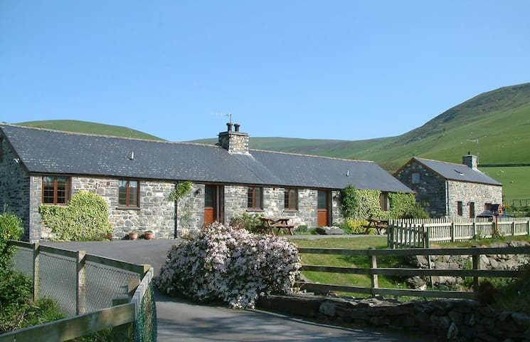 Swn-y-Nant, converted eco barn in Snowdonia