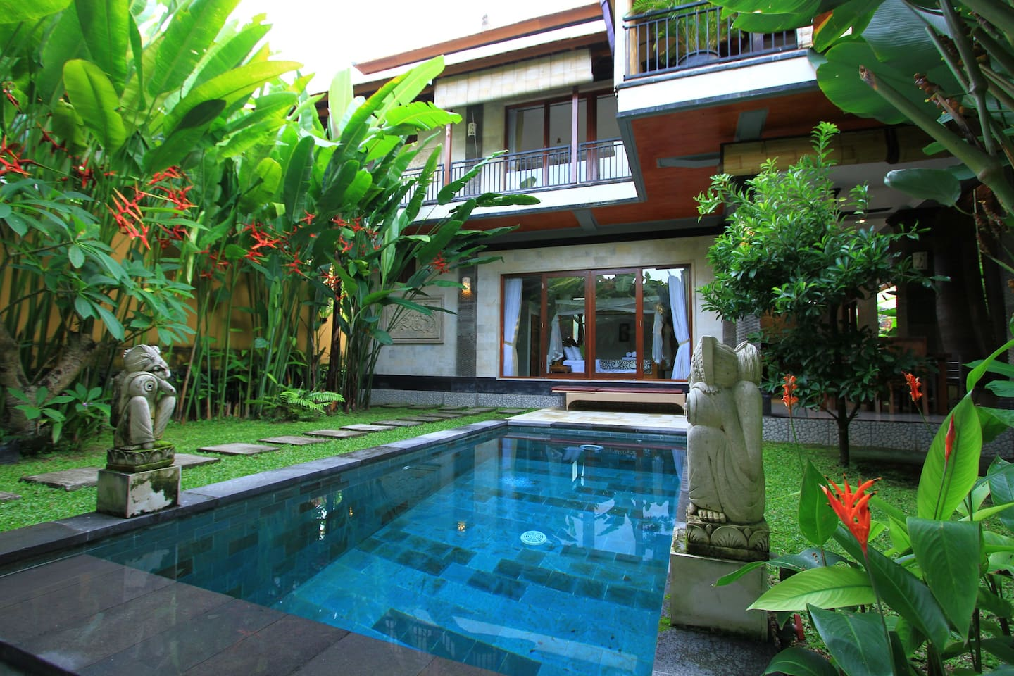 2 Bedroom and swimming pool