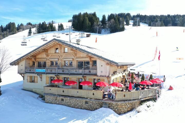 le vent volet:appartement standing sur pistes skis