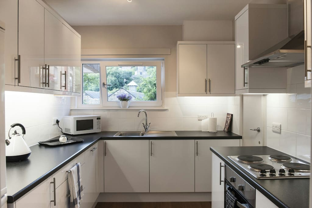 Fantastic newly fitted kitchen with all modern conveniences