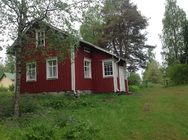 Mummonmökki - Traditional Finnish Cabin