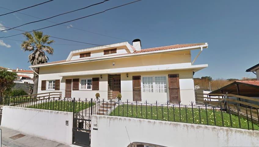 Family Villa 10min walk to the beach, 20min Porto - Vila Nova de Gaia - บ้าน