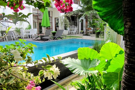 Room Bunaken 3prs in Tigalima Homestay - Yogyakarta - Bed & Breakfast