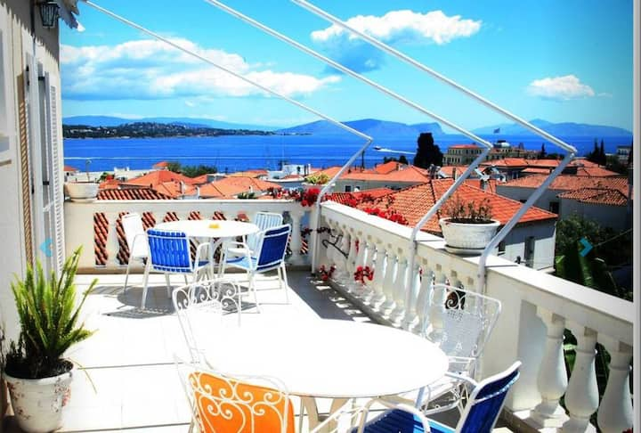 Apanemos in timeless Spetses