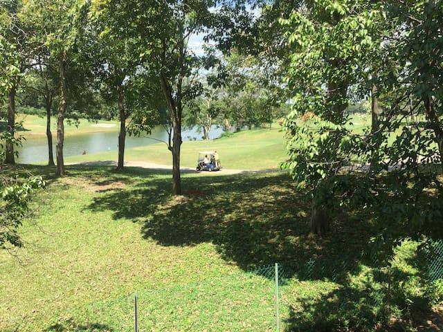 Step-In @ Tiara Melaka Golf Club Resort Living - Melaka - Condominium