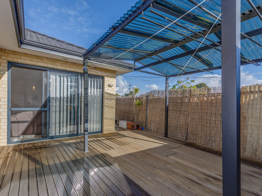 Courtyard with decking