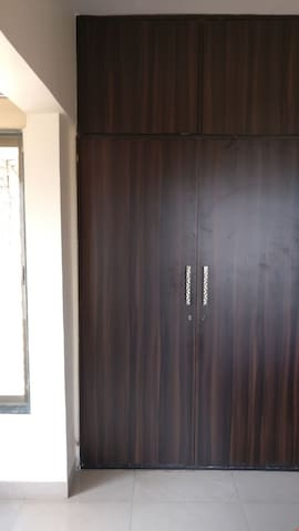 A private room at 5 min walk from Lokhandwala Mkt