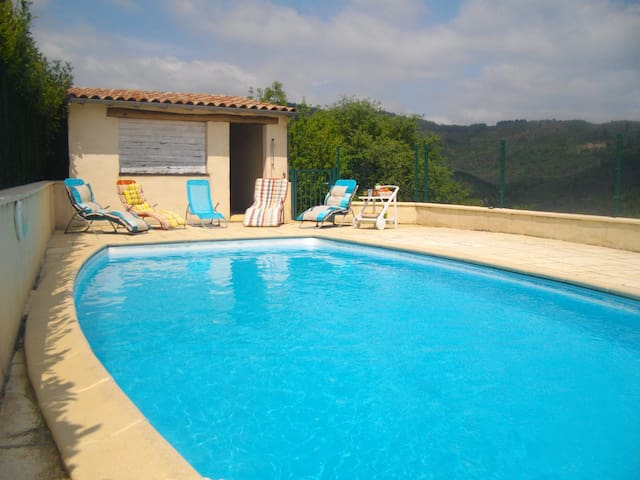 L'Olivier, gîte 5 personnes avec piscine privée