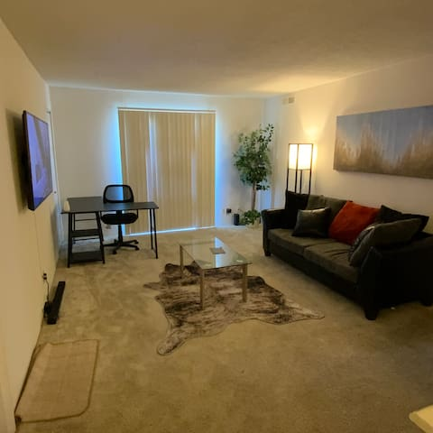 Entire Apartment  Beautiful rooms 2BD/2BED