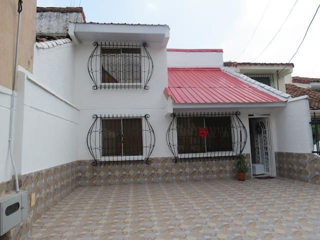 Casa de 4 habitaciones con excelente ubicación