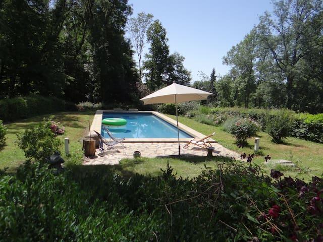 Maison de maître dans le Cher avec piscine