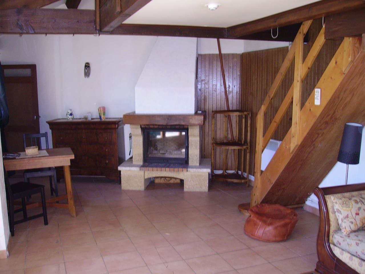 Salon avec cheminé