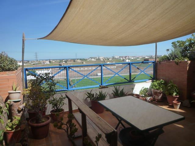 Casa en Huerta del Mar. Metro y bici. - Almàssera - Casa