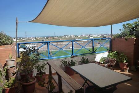 Casa en Huerta del Mar. Metro y bici. - Almàssera