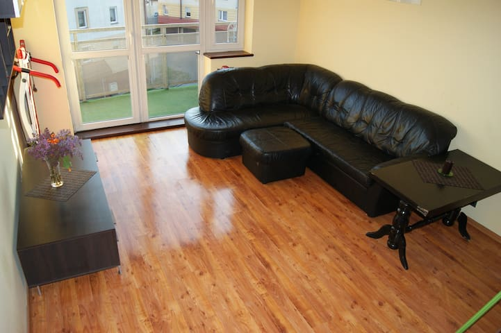 Room+bathroom on separed floor.Close to Citycenter - Gdańsk - Appartement