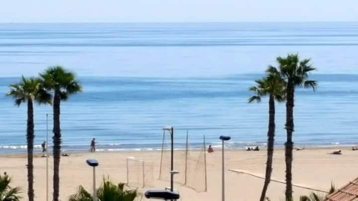 Apartament con vistas al mar