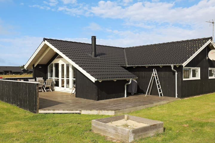 Secluded Holiday Home in Hirtshals with Sauna