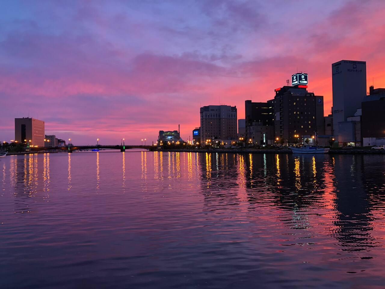 Sunset sky at Nusamai Bridge 幣舞橋の夕焼け空