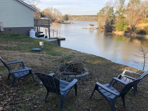 Hillside Haven on Lake Wateree- Entire House