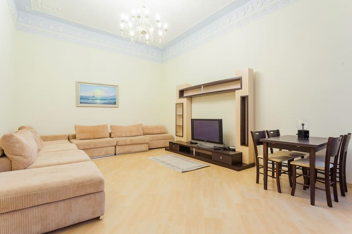 Two-Bedroom Maidan Block Superior flat for 6