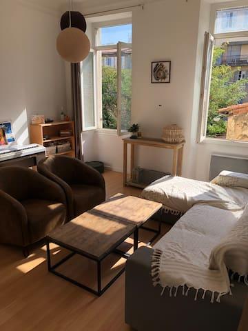 Appartement marseillais calme et ensoleillé