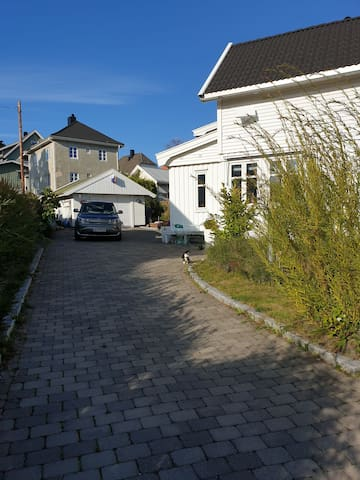 Charming house; 10 min. walk from the city center