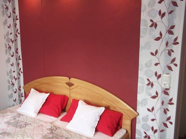 Doppelbett in Zimmer 3