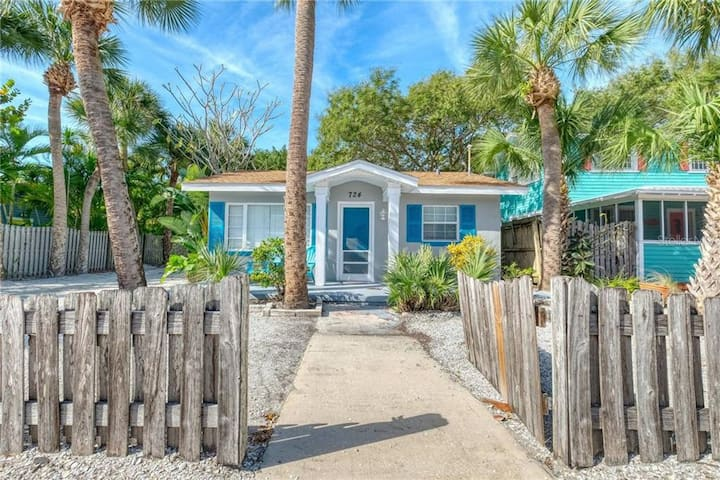Adorable Beach Bungalow steps from the beach