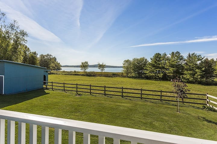 Lovely Lac-Brome 3 Bedroom Lakefront Cottage - Knowlton - Casa