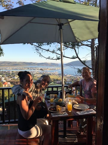 Enjoy the stunning views looking over the whole of Knysna! Plates, glasses and everything you will need is provided.