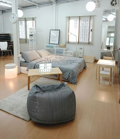 Newly Renovated House in Sathorn - Bangkok - Dom