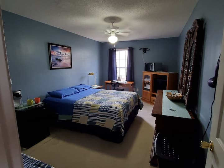 "Room B of  ""Cozy Room near Fort Rucker & Dothan."""