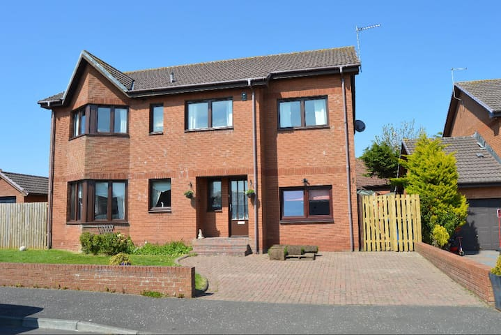 The Open - full house rental- near Troon - Ardrossan - Villa