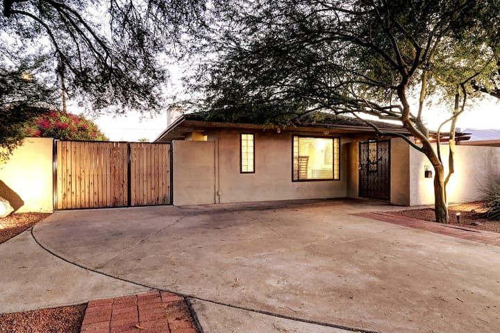 Beautiful 2BR Central Phx  Home