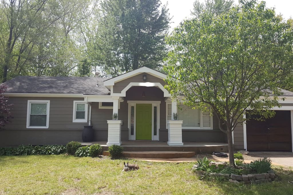3 bed room home w  spacious fenced in yard  houses for