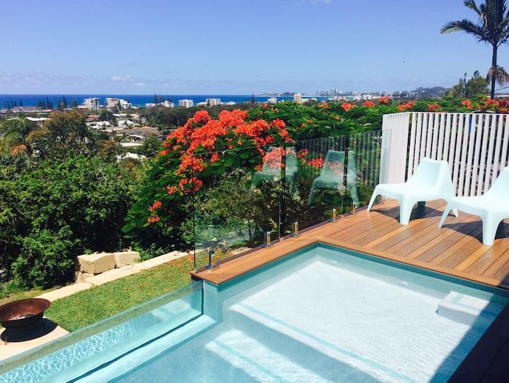 Heated Pool! 180 degree Ocean Views, Pet Friendly!
