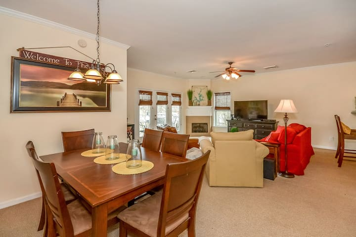 Sunset Point - a great Lake Martin location!