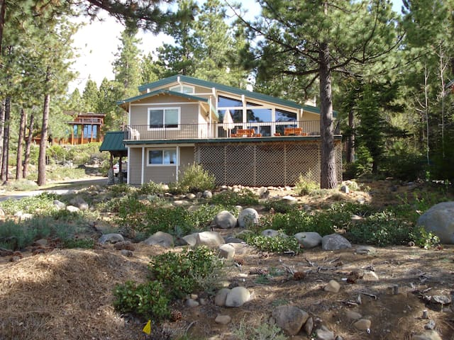 Dollar Point Home - Directly Across St from Lake - Tahoe City - Apartamento