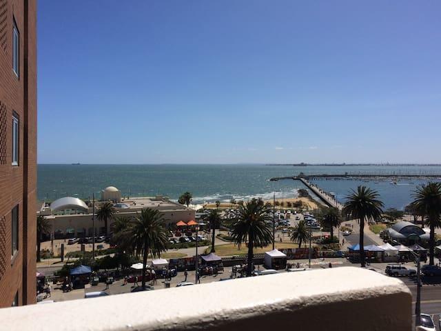Sunny apartment on the beach front - Saint Kilda - Apartament