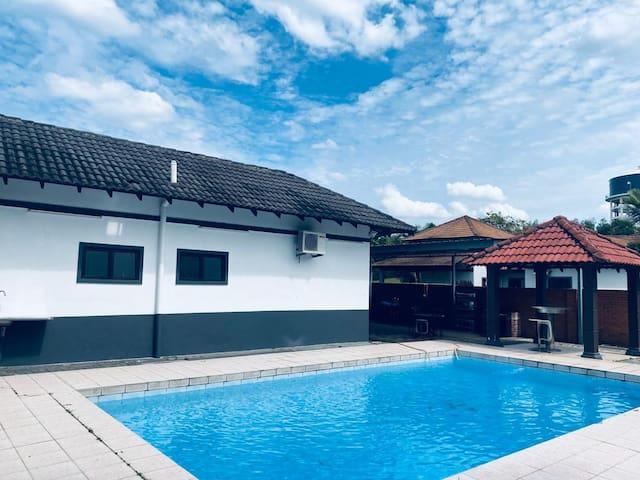 50% OFF at BESLA Homestay-4rooms @A'Famosa Resorts