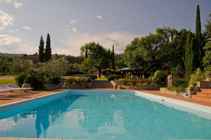Bed and Breakfast Serena, Camera Gemelli - Prato - Bed & Breakfast