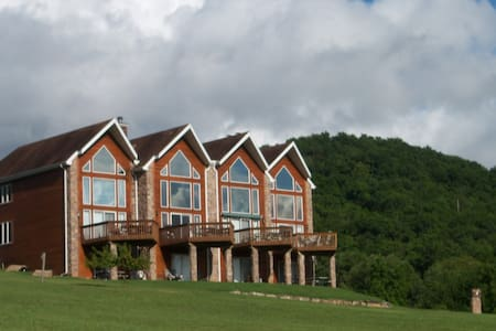Holiday Island Home with a View of Table Rock Lake