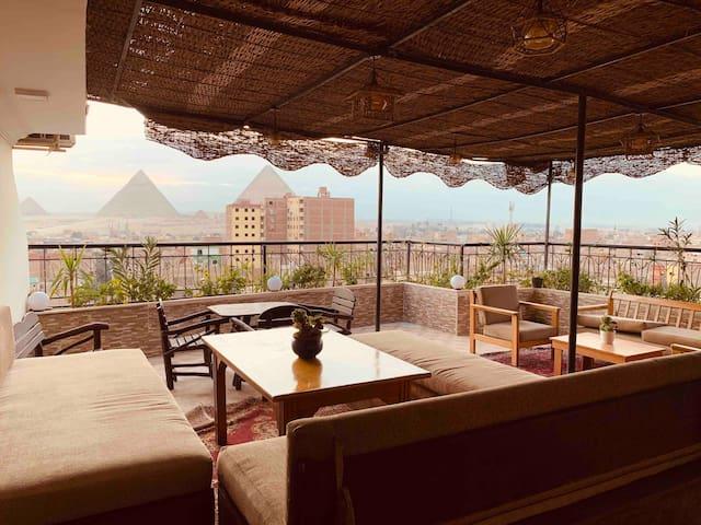 DRAZ pyramids view inn (live like Egyptian)