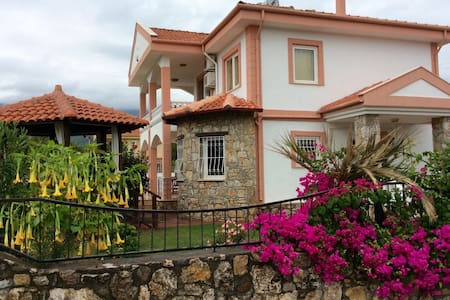 Villa Florence, Dalyan. Lovely villa with pool. - Dalyan