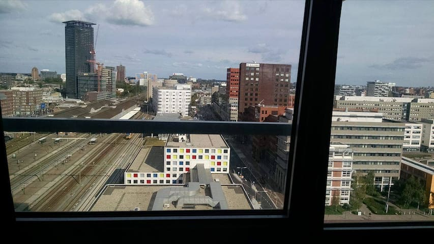 Studio Near Train Station & Center (Pet Friendly) - Den Haag - Appartement