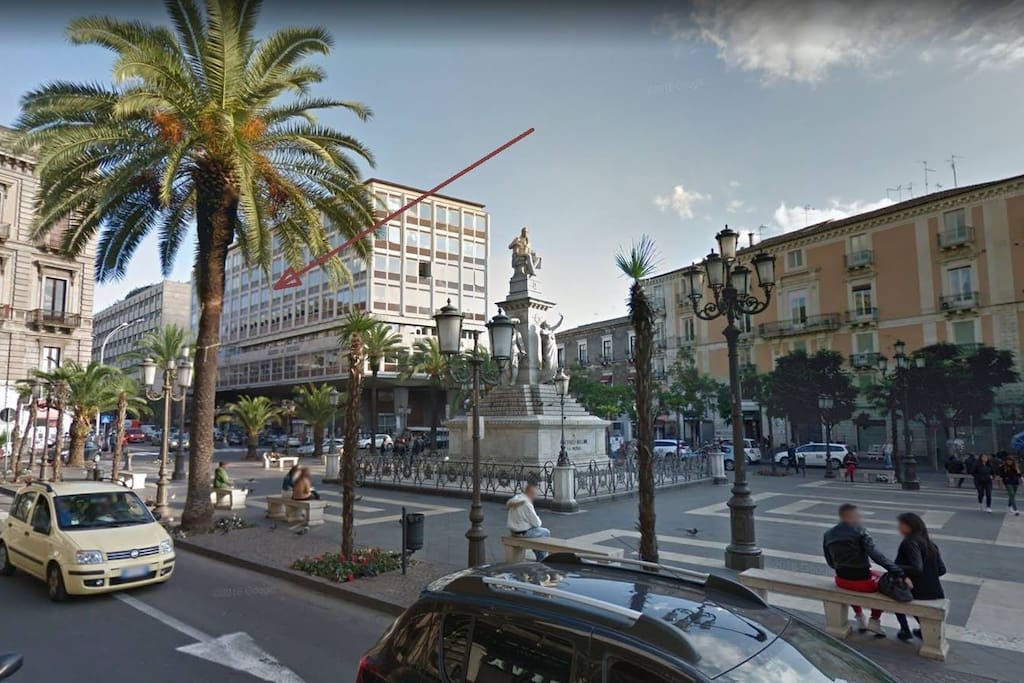 A modern building in the very heart of Catania