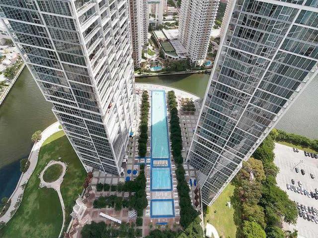 W MIAMI-Luxury Resort-Spacious 2B/2B - 48th Floor.
