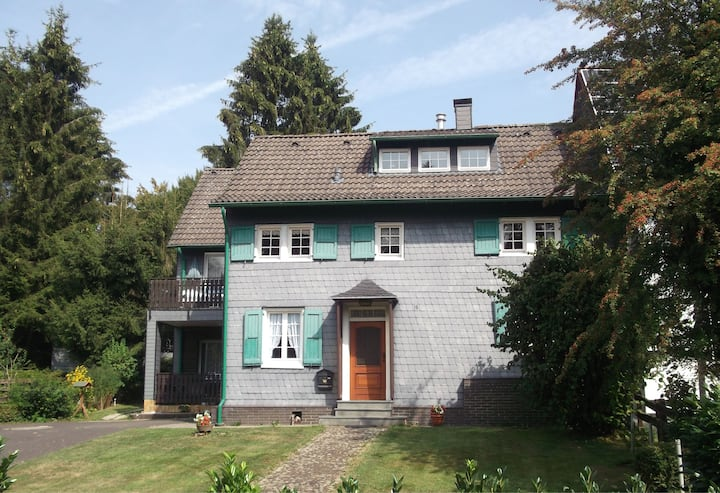 Idyllic big half-timbered house close to Cologne